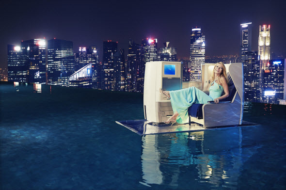 Gwyneth Paltrow and British Airways make a splash at Marina Bay Sands