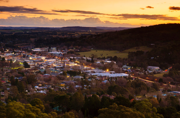 Sun sets on the picturesque town of Bowral in New South Wales
