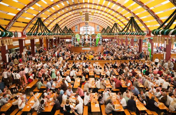 The eternally popular Löwenbräu tent & Itu0027s Time To Toast Munichu0027s Oktoberfest