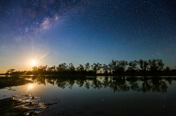 Moonset in Queensland