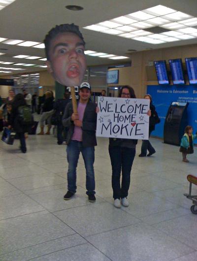 9 funny airport greetings