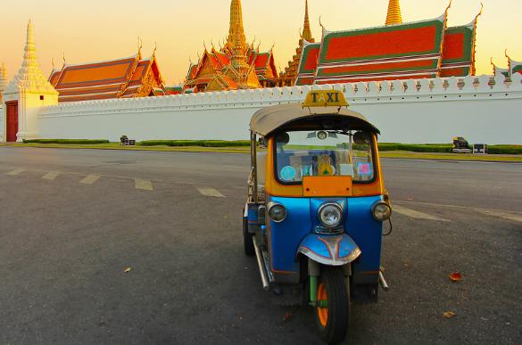 Resultado de imagem para tuk tuk bangkok