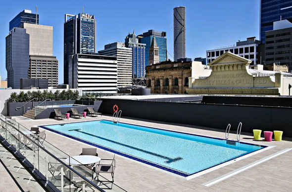 Hilton Brisbane swimming pool