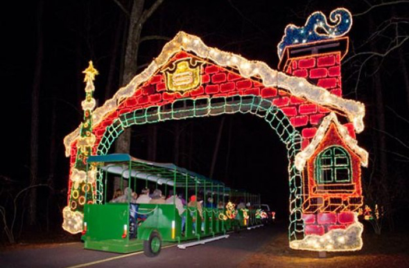 The best christmas lights around the world for Callaway gardens fantasy in lights