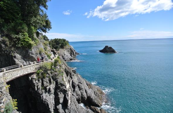 A bridge along the coastline of Cinque Terre