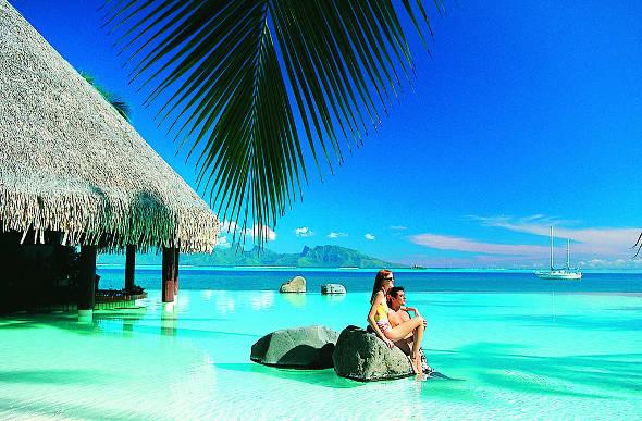 Raise Your Glass To A Swim Up Pool Bar : intercontinentalhotelfrenchpolynesia from www.flightcentre.com.au size 590 x 387 jpeg 68kB