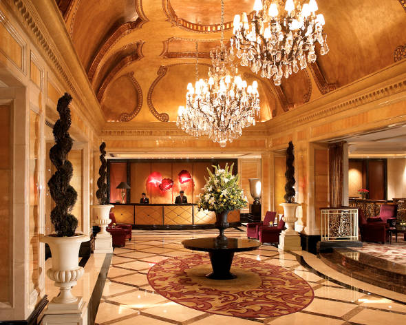 The world 39 s most opulent hotel lobbies for Baroque hotel