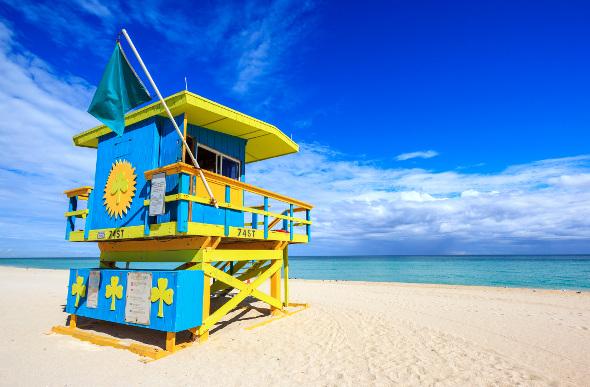 A colourful lifeguard hut on the beach