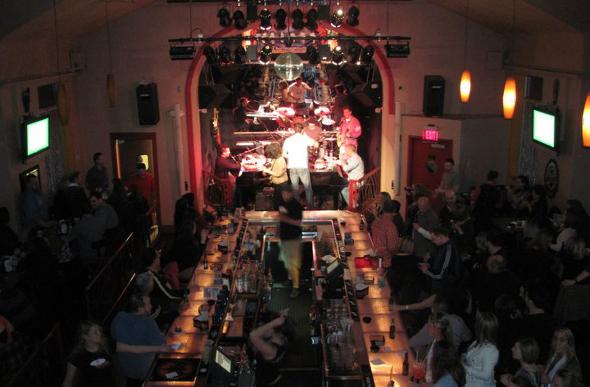 Inside Charlie Murdochs Duelling Piano Bar