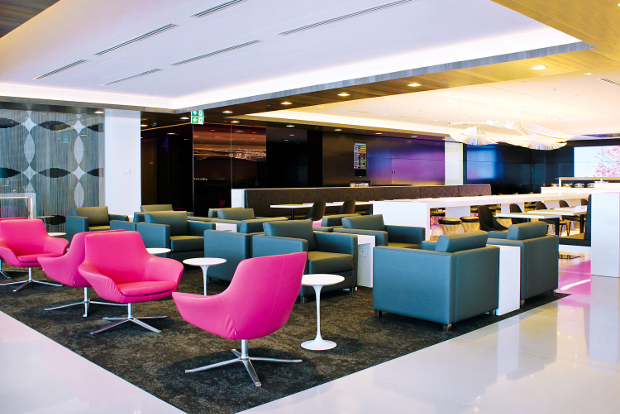 An internal view of the Auckland Air New Zealand lounge seating area