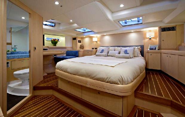 Lady Mariposa main bedroom