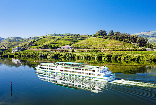 Cruising down Douro Valley, Portugal