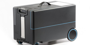 Smart Suitcase Follows Its Owner