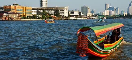 Bangkok: Boat on Chao Phraya River
