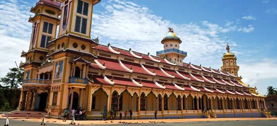 Ho Chi Minh City: Cai Dai Temple