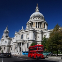 London Flights + 3 Nights, 5-Star + Tours - Departing Brisbane