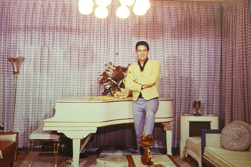 Image of Elvis Presley in his lounge room at Graceland