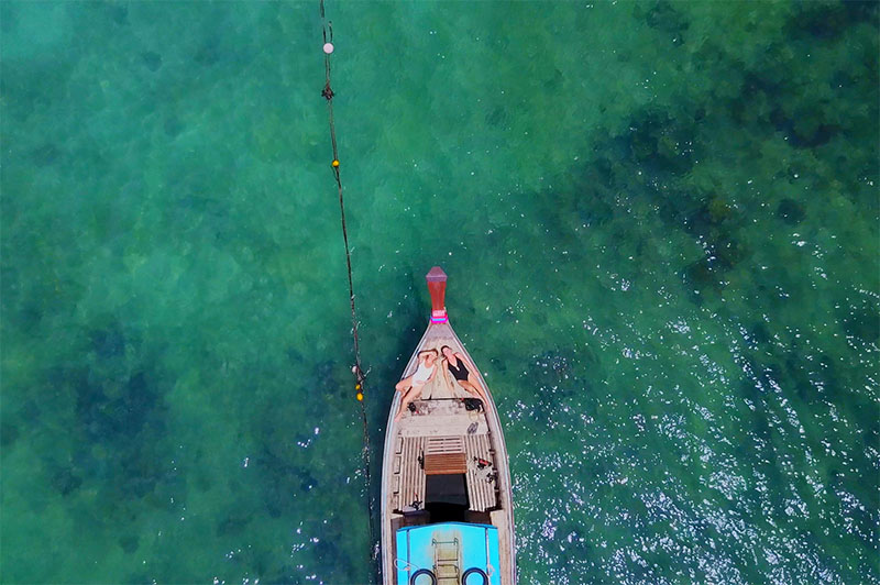 longtail boat in Thailand from above