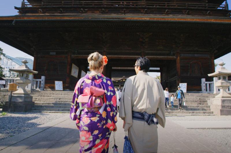 Greer in kimono at Zenko-ji temple, Nagano, japan