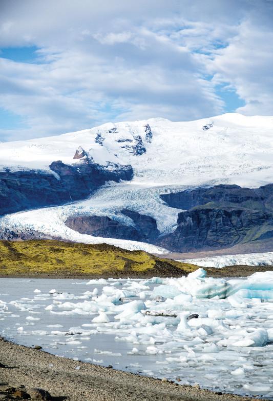 glacier leading to glacier lagoon below iceland