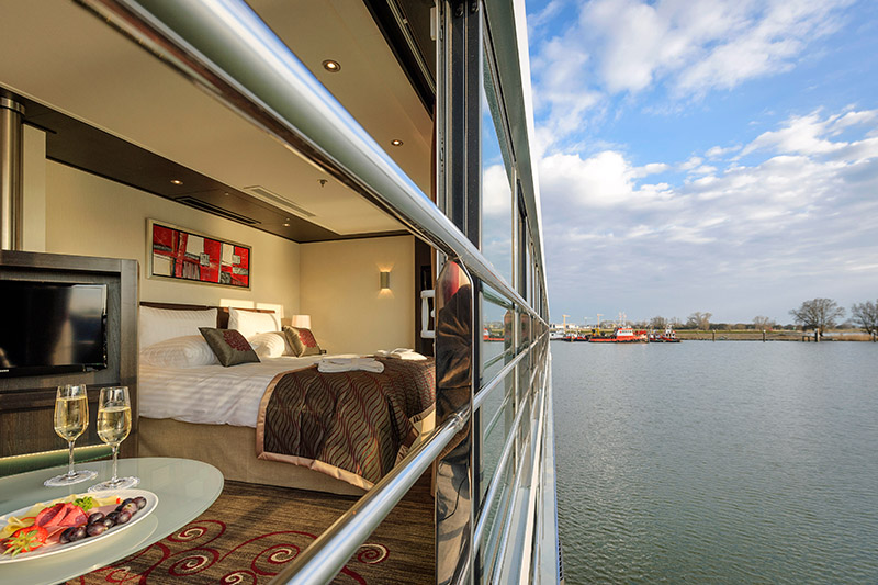 Comfort Collection bed and avalon waterways