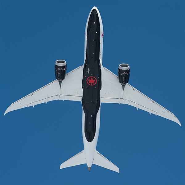 Belly of Air Canada B787-8 aircraft