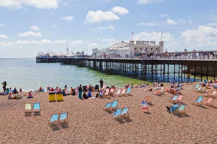 brighton pier sunny day