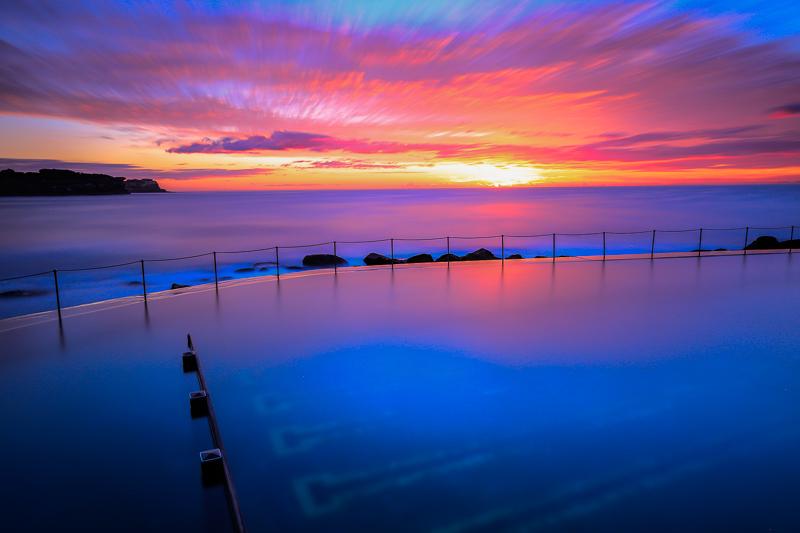 bronte bath and ocean before sunrise
