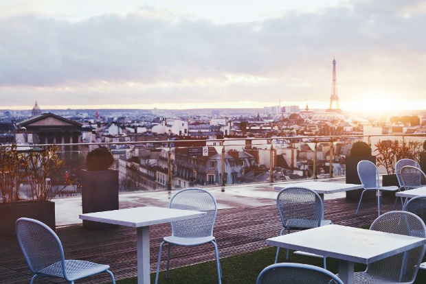 Cafe with view of the Eiffel Tower