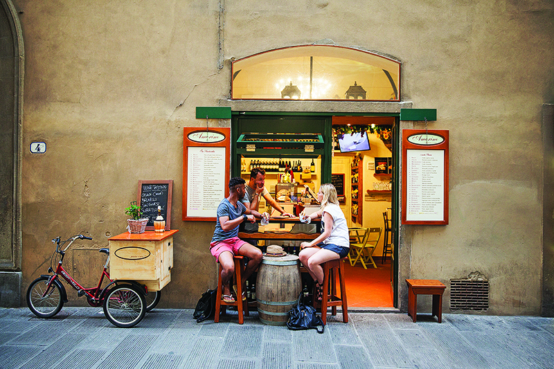 couple at a restaurant in florence