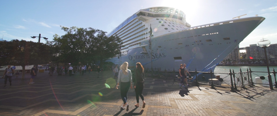 girls walking to ovation of the seas ship sydney harbour