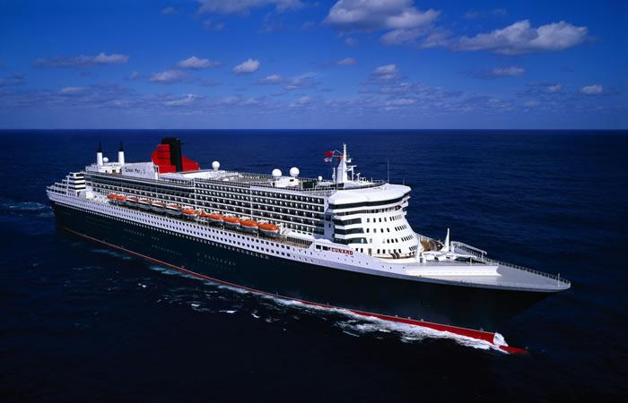 cunard Queen Mary 2 ship at sea