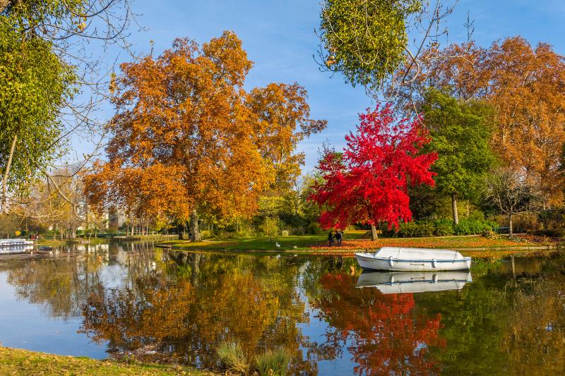 Lake in Vincennes Forest, Paris.