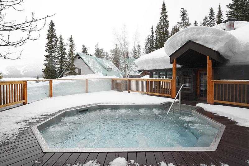 Hot tub in winter at Emerald Lake Lodge, AB