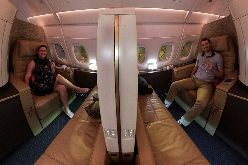360-degree view of couple in First Class on EY A380