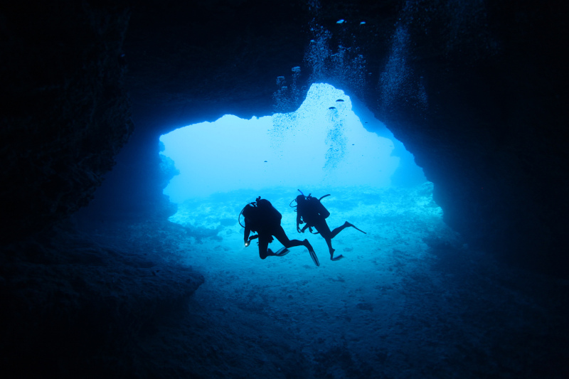 scuba diving in shark tooth cave, Tonga