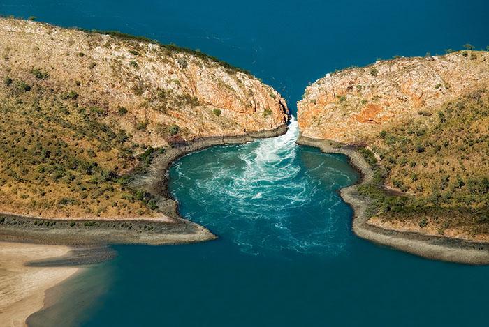 horizontal falls kimberley western australia