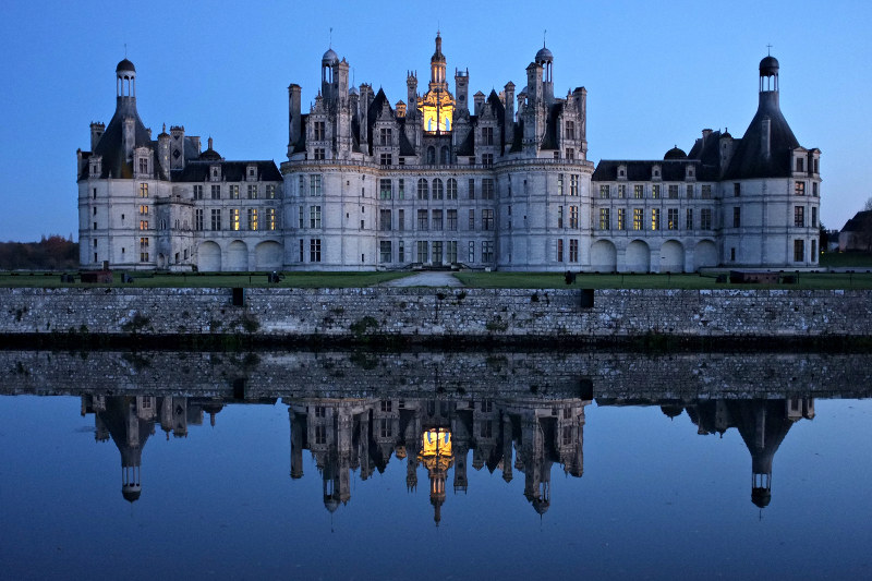Chambord castle at dusk