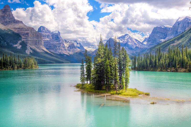 Spirit Island in Maligne Lake, Jasper National Park, Canada