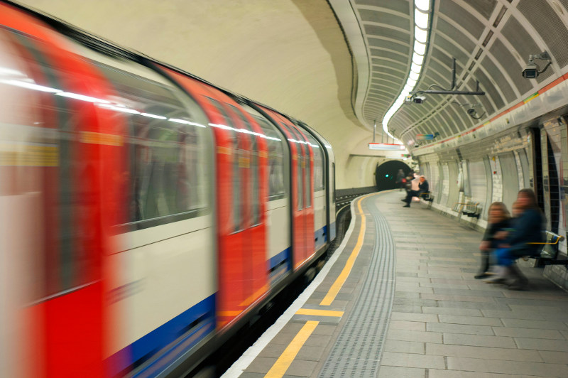 Tube at Notting Hill station