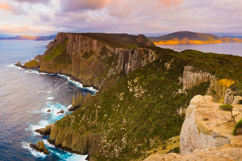 cape pillar tasman national park sea cliffs
