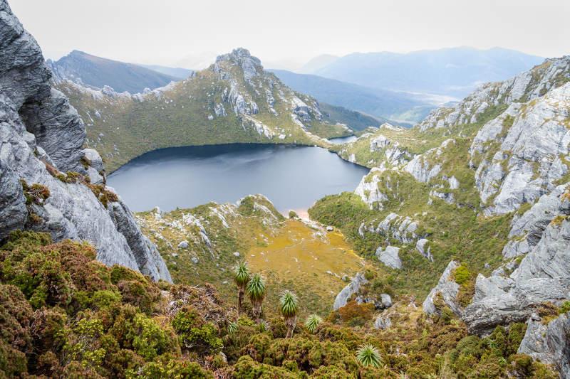 lake oberon western arthur mountain range tasmania