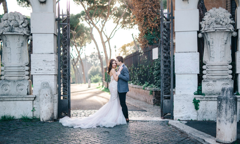 couple married in italian garden