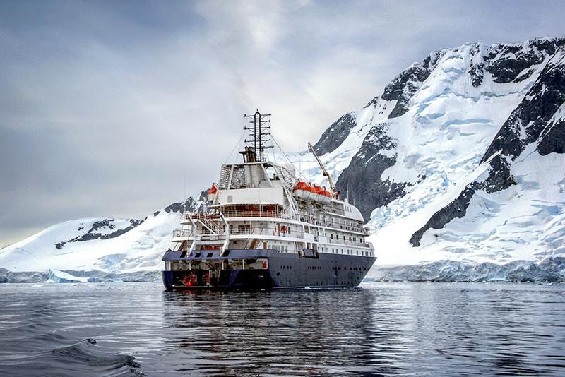 expedition cruise ship in antarctica