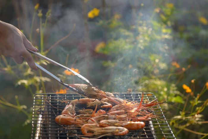 grilling prawns on bbq