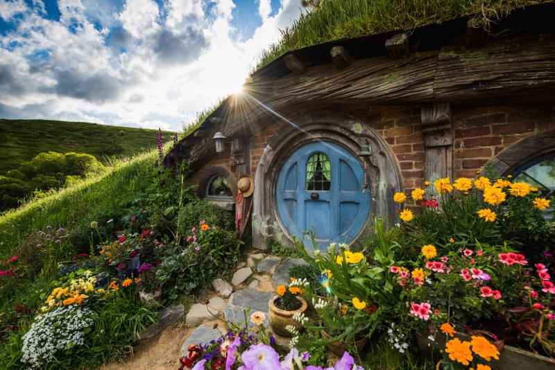 A hobbit hole in Hobbiton