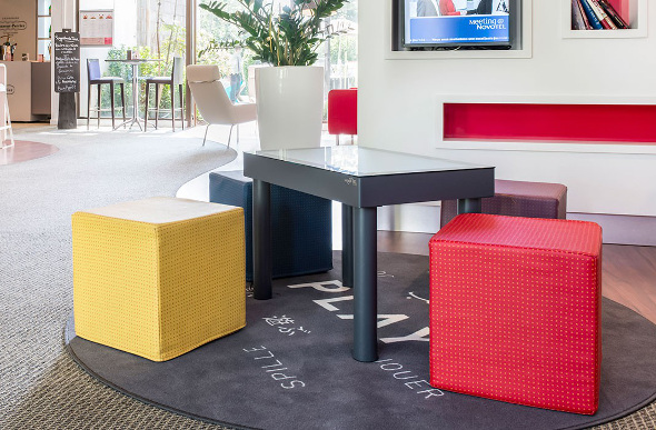 The Play Interactive Table is found in some Novotel hotel lobbies.