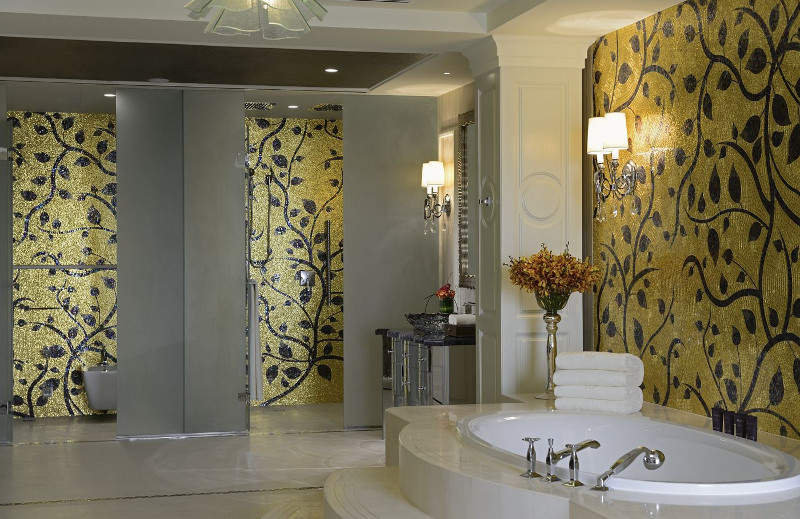 Bathroom at the Ritz Carlton Abu Dhabi