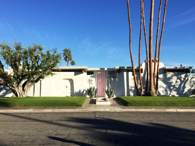 house with pink door palm springs