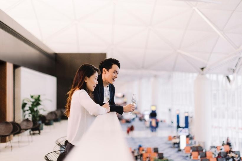 cathay pacific airport lounge hong kong